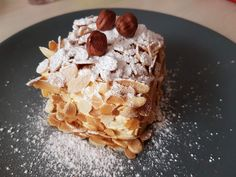 LE PROGRÈS OU GÂTEAU RUSSE Desserts To Make, Delicious Desserts, Food To Make, Yummy Food, Russian Cakes, Cake Recipes, Dessert Recipes, Cake Bars, Sweets Cake