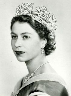 portrait by Dorothy Wilding, taken shortly after Elizabeth's ascension to the throne