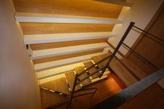 Proyecto de Arquide: Librería de suelo a techo iluminada con leds  www.arquide.es