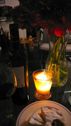 Candlelight and Wine. A perfect combination. www.apidaecandles.de