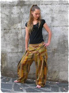 New Thai trousers unisex #cotton #pants with side zipper - Italian fashion for this model #handmade in #Guatemala  #modaetnica #ethnicalfashion #lamamita #moda #fashion #italianfashion #style #italianstyle #modaitaliana #lamamitafashion #moda2016 #fashion2016 #pantaloni #spring #springfashion #trousers #orientalfashion #pantaloniorientali #summerfashion