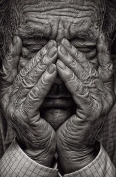 Check out this finest black and white portrait photo! Check out this finest black and white portrait photo! Old Man Portrait, Portrait Photos, Foto Portrait, Simple Portrait, Black And White Portraits, Black White Photos, Black And White Photography, Hand Photography, Portrait Photography