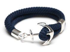 Nuestra pulsera del anclaje es esencial para cualquier amante de la náutica! -Cuerda azul marino -Plateado broche ancla -Grano de espaciador plateado Esta pulsera clásico está disponible con cuerda de Marfil: https://www.etsy.com/listing/272044904/nautical-rope-bracelet-nautical-anchor?ref=shop_home_active_21 ****************************************************************** Tamaño: Si usted está buscando un ajuste ceñido, recomendamos pedir 1/2 más grande que el tamaño de su muñeca (es…