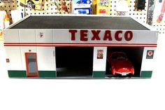 HAND MADE C-MODEL 2 BAY TEXACO SERVICE STATION 1:24 SCALE DIORAMA cbcustomtoys #Handmade