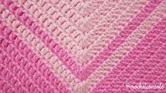 Poncho a crochet con borde de pompones - Crochet con Sole Crochet Baby Sweater Pattern, Crochet Baby Poncho, Crochet Bedspread Pattern, Baby Sweater Patterns, Crochet Poncho Patterns, Crochet Shawl, Baby Sweaters, Projects, Crochet Baby Dresses