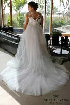 Studio Levana. Plus size wedding gown Koral with the second tulle skirt