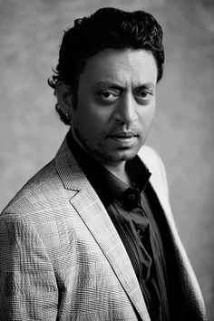 Irfan Khan Biography, Age, Height, Weight, Wife & Pictures - Entertainment World Bollywood Cinema, Bollywood Actors, Irrfan Khan, Wife Pics, Indian Hairstyles, Actor Picture, Film Industry, Shahrukh Khan, Celebs