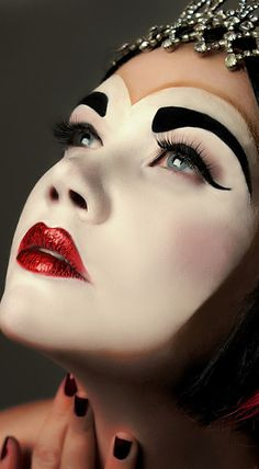 Perfect makeup for your Queen of Hearts fantasy. #liveyourfantasy