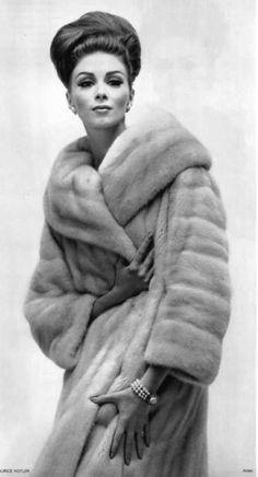 Wilhelmina Cooper - Vogue, 1962