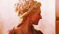 Ilithyia from Spartacus- Beautiful hairstyle, wish i could do this
