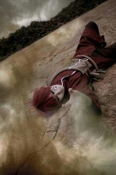 this is so cool! GAARA cosplayer! look like the real one,,,