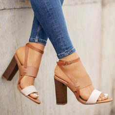 Shop Women's Cream Tan size Heels at a discounted price at Poshmark. Dream Shoes, Crazy Shoes, Me Too Shoes, Look Fashion, Fashion Shoes, Runway Fashion, Fashion Trends, Shoe Boots, Shoes Sandals