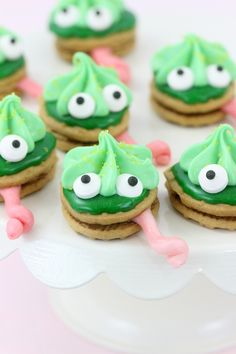Chameleon cookies, perfect for themed parties and to get excited about The Wild…