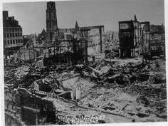 Rotterdam, Netherland​s, 14/05/1940​, Ruins of the city after a German bombing. Hoogstraat.