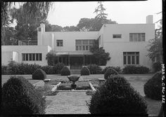 Landmark Houses: Irving Gill's Dodge HouseThe Dodge House in West Hollywood was considered one of the most architecturally significant American houses of the 20th century. Designed...