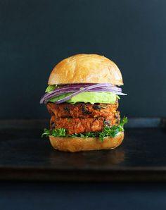 Sweet Potato Black Bean Burger Tender flavorful just 10 ingredients vegan glutenfree Great Burger Recipes, Best Burger Recipe, Whole Food Recipes, Vegetarian Recipes, Healthy Recipes, Vegetarian Grilling, Healthy Cooking, Healthy Eating, Baked Burgers