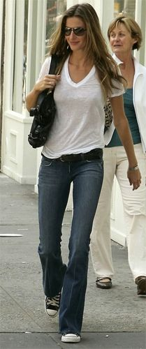white tee, jeans and sneakers... love it!!!