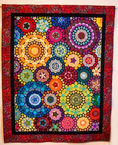 "La Passacaglia Quilt from the book ""Millefiori Quilts"" Made by Lori Buhler Paper Piecing Patterns, Quilt Patterns, Quilting Projects, Quilting Designs, Millefiori Quilts, Kaleidoscope Quilt, Quilt Modernen, Hexagon Quilt, English Paper Piecing"