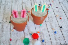 Betonhasen im Blumentopf Bucket, Diy, Diy And Crafts, Bricolage, Easter Bunny, Flowers, Playing Games, Do It Yourself, Buckets