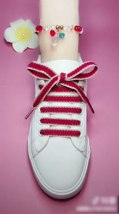 7 Creative Ways to Tie Your Shoelace – Unique Tying Guide! 😍 Although the ladder lacing style is harder than the first one, this pattern is one of the most effective ways to get stability and support. It stays very… Continue Reading → Ways To Lace Shoes, How To Tie Shoes, Your Shoes, Diy Fashion, Fashion Shoes, Mens Fashion, Creative Shoes, Tie Shoelaces, Shoe Crafts