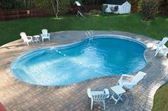 Having a pool sounds awesome especially if you are working with the best backyard pool landscaping ideas there is. How you design a proper backyard with a pool matters. Inground Pool Designs, Vinyl Pools Inground, Small Inground Pool, Backyard Pool Designs, Small Backyard Pools, Small Pools, Swimming Pools Backyard, Swimming Pool Designs, Pool Landscaping