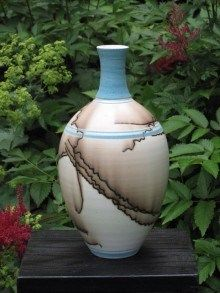 Sue Adler's pottery reflects the many influences from the layers of her life. Her equestrian passion resonates in the one of a kind horse hair fired p Make Your Own Pottery, Pottery Making, Pottery Workshop, Pottery Studio, Raku Kiln, Hand Thrown Pottery, Raku Pottery, Painted Jars, Ceramic Vase