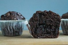 DE BEDSTE CHOKOLADEMUFFINS - mættemette Yummy Treats, Sweet Tooth, Food And Drink, Cupcakes, Breakfast, Desserts, Morning Coffee, Tailgate Desserts, Cup Cakes
