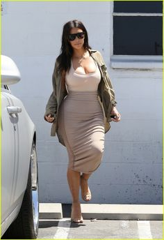 Kim Kardashian Says Her Dad Would Be Proud of 'Forbes' Cover: Photo #3703852. Kim Kardashian wears a form-fitting dress while leaving a studio on Monday afternoon (July 11) in Van Nuys, Calif.    The 35-year-old reality star is on the cover…