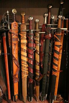 Swords in scabbards – katana Katana, Swords And Daggers, Knives And Swords, Vikings, Armadura Medieval, Templer, Medieval Weapons, Arm Armor, Fantasy Weapons