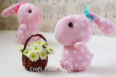 Sock Bunny Craft Tutorial amazing - it's so sweet *. Diy Sock Toys, Sock Crafts, Bunny Crafts, Easter Crafts, Craft Patterns, Sewing Patterns Free, Free Sewing, Doll Patterns, Sewing Tutorials