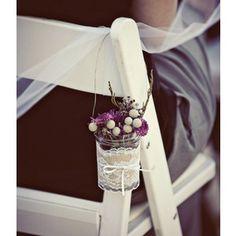 décoration de l'allée centrale - chaise - mini bouquet/composition