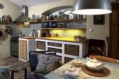 Výsledok vyhľadávania obrázkov pre dopyt dřevěná kuchyňská linka