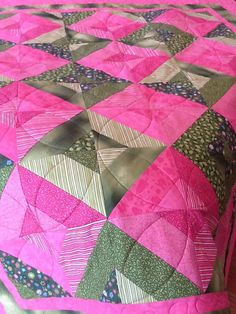 Lap Quilt Modern Picnic Perfect Pink and Green Wall by SallyManke, $150.00 #etsy #handmade #thehotbobbin