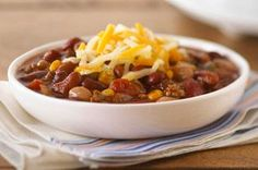 Please a crowd with Slow-Cooker Chili Recipes by Kraft Recipes! Here you& find hearty bean chili, bacon beef chili and more slow-cooker chili recipes. Slow Cooker Chili, Crock Pot Slow Cooker, Slow Cooker Recipes, Crockpot Recipes, Cooking Recipes, Yummy Recipes, Recipies, Simple Recipes, Slower Cooker