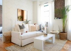 Our Kenya Rug looks dreamy in Homepolish NYC designer Justin DiPiero's exceptionally cute apartment!