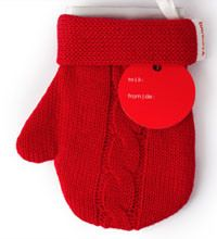 David's Tea Tea-Filled Mitten ~ Best Christmas Presents for Teachers