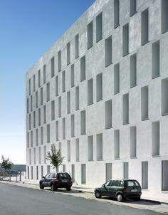 88 Jerez Dwellings / Daroca Arquitectos