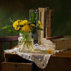 #still #life #photography • photo: одуванчики. они пахнут детством ) | photographer: юля плетінка | WWW.PHOTODOM.COM