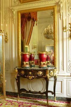 Palatial | Louise XIVs great palace at Versailles