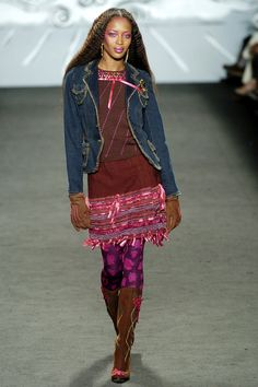 Anna Sui  #VogueRussia #readytowear #rtw #fallwinter2004 #AnnaSui #VogueCollections