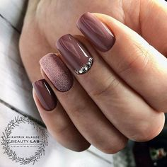 24 Ideas Fall Wedding Manicure Nude Nails The Effective Pictures We Offer You About fall wedding nails sunflower A quality picture can tell you man Fall Gel Nails, Cute Nails For Fall, Fall Acrylic Nails, Fall Nail Art, Fall Nail Colors, Nail Ideas For Fall, Summer Nails, Fall Almond Nails, Simple Fall Nails