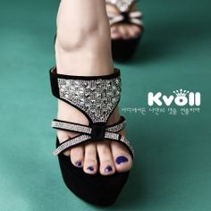 T24991 Kvoll Fashion Rhinestone Piece Hollow out Platform High-heeled Slipper Black [T24991] - $25.25 : China,Korean,Japan Fashion clothing wholesale and Dropship online-Be the most beautiful Lady