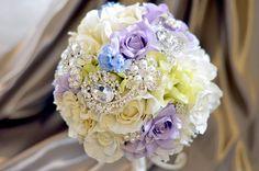 アートフラワー(造花)のウェディングブーケ/ヴィオレ・ブロッシュ -violet et broche-