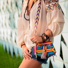 Little Wayuu bag Look Hippie Chic, Tapestry Bag, Tapestry Crochet, Hippie Bags, Ibiza Fashion, Boho Girl, Knitted Bags, How To Look Classy, Cloth Bags