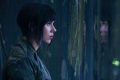 CIA☆こちら映画中央情報局です: Ghost In The Shell : ハリウッド版「攻殻機動隊」の最新作「ゴースト・イン・ザ・シェル」の撮影が本格スタート!!、草薙素子に相当するヒロインに扮したスカーレット・ジョハンソンの写真を、ついに初公開!! - 映画諜報部員のレアな映画情報・映画批評のブログです
