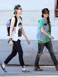 Star Tracks: Tuesday, July 29, 2014   HATS OFF   Evan Rachel Wood and Ellen Page are the coolest girls in Vancouver on their way to dinner on Monday.