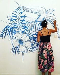 malen.pintaúltimos retoques de la primavera en el living de @isitaestevarena!!!! lo que disfruté hacer este mural en el hogar de este ser hermoso!!! por miles de mates más pibi!!!! 🙋🌿❤🌺🙏 #mural #buenosaires #malen #malenpinta #lineart #muralism #botanical #tropical #plants #pattern #deco #decoration #interiorrewilding #houseplantclub Tropical, Deco, Instagram, Wall, Murals, Sweetie Belle, Spring, Creativity, Pintura