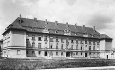 1940. Eger, a Főiskola II. sz. Gyakorló Általános iskolája. Long Time Ago, Hungary, Louvre, City, Building, Travel, Viajes, Buildings, Cities