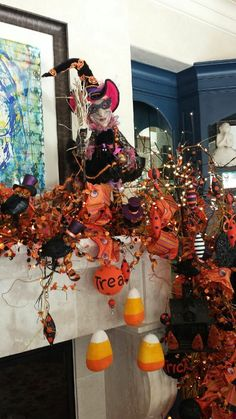 Halloween 2018, Halloween House, Holidays Halloween, Halloween Ideas, Halloween Decorations, Fall Harvest, Autumn, Chimney Decor, Fall Boards