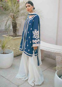 Beautiful Pakistani Dresses, Indian Fashion Dresses, Dress Drawing, Ivory Silk, Traditional Looks, Girl Photography Poses, Blue Fabric, Chiffon, White Dress